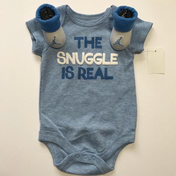 28e46e41456a Nike Jordan Infant Booties   NWT Bodysuit Sz 0-3M